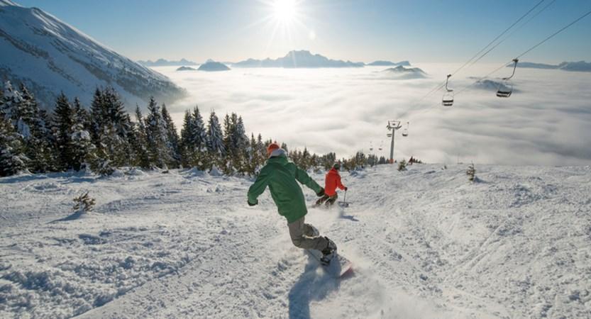 Snowboarder in La Clusaz
