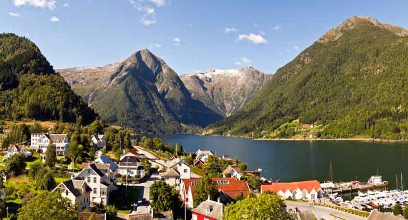 view of Balestrand.jpg
