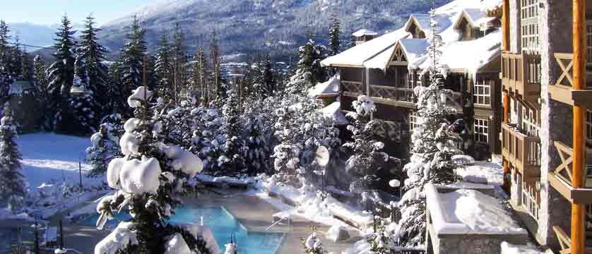 canada_whistler_coast-blackcomb-suites_exterior.jpg