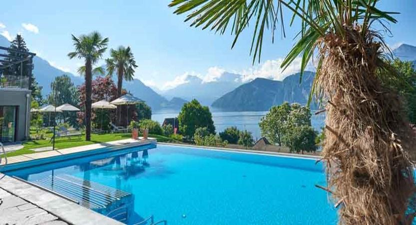 Hotel-Alexander,-outdoor-pool.jpg