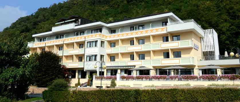 Hotel-Ambassador,-Lake-Levico,-Italy---exterior.jpg