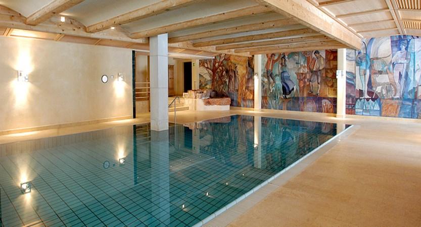 italy_dolomites_corvara_sporthotel-panorama_pool.jpg