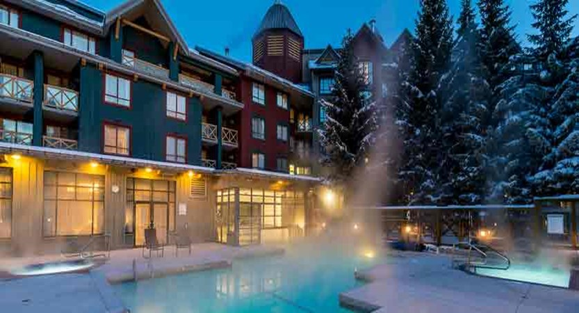 canada_whistler_delta-whistler-village-suites_heated-outdoor-pool.jpg