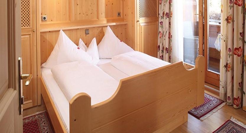 Haus Edelweiss, Alpbach, Austria - double bedroom.jpg