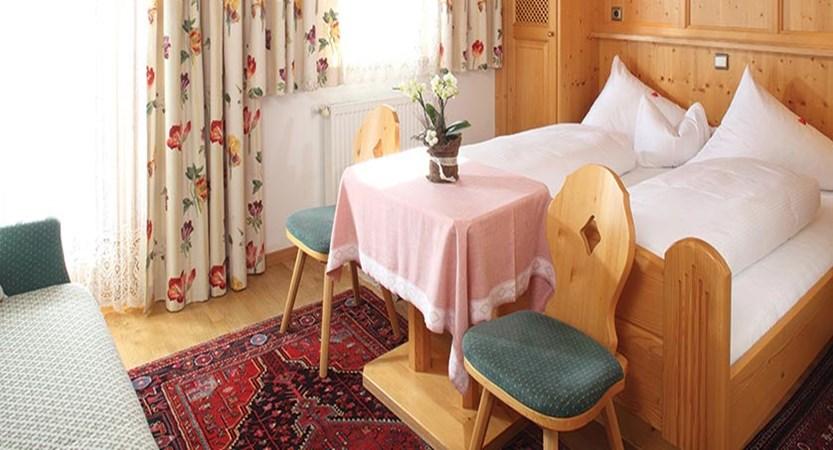 Haus Edelweiss, Alpbach, Austria - bedroom.jpg