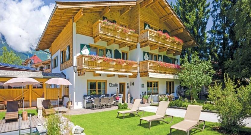 Hotel-Claudia-exterior.jpg