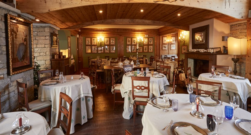 italy_courmayeur_hotel-gran-baita_dining_room.jpg