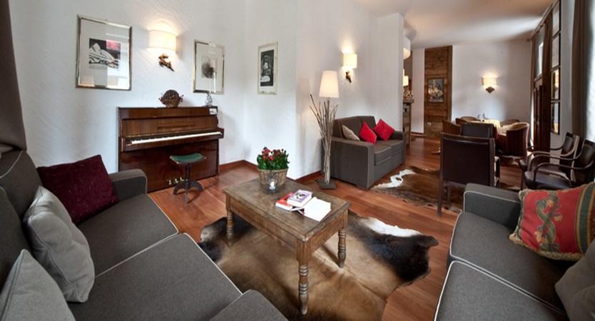 italy_courmayeur_hotel_cresta-et-duc_lounge.jpg