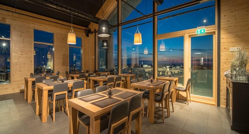 Finland_Saariselka_StarArctic_Restaurant.jpg