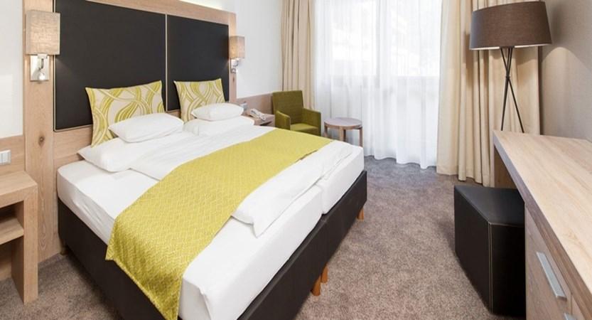 Hotel Tyrolerhof, Room ambiente.jpg