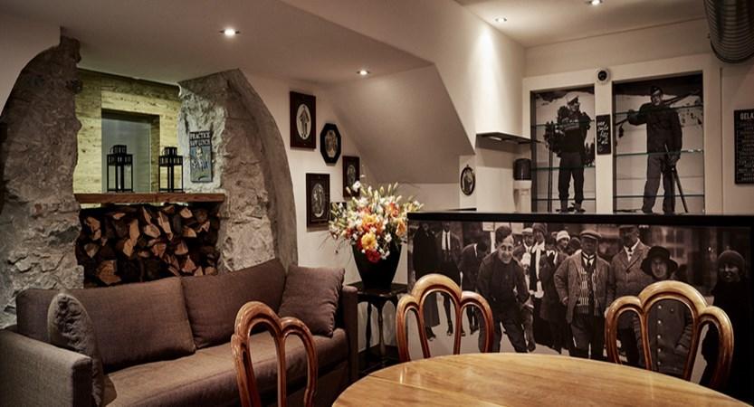 Switzerland_St.Moritz_Hotel-Schweizerhof_The Muli lounge.jpg