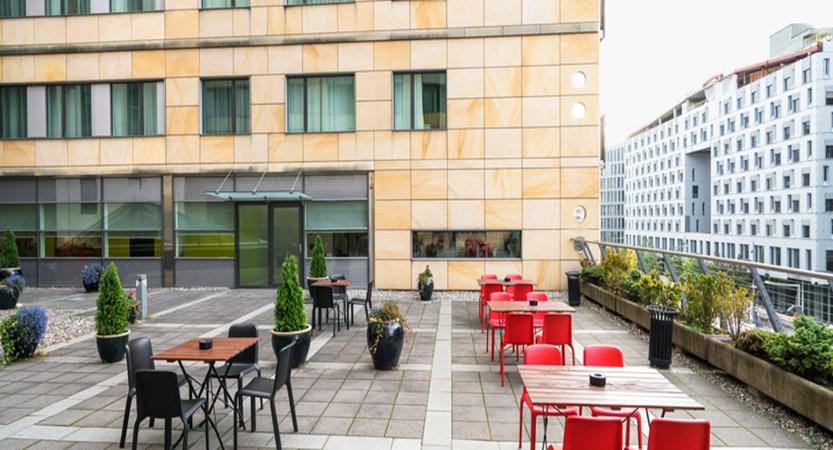 Oslo_ThonHotelOpera_Terrace.jpg