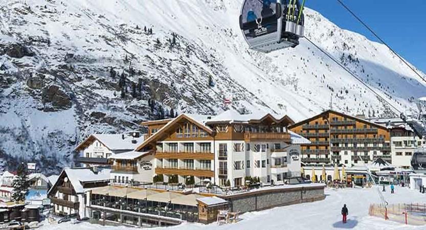 Austria_Obergurgl_Hotel-Gottard_gondola.jpg