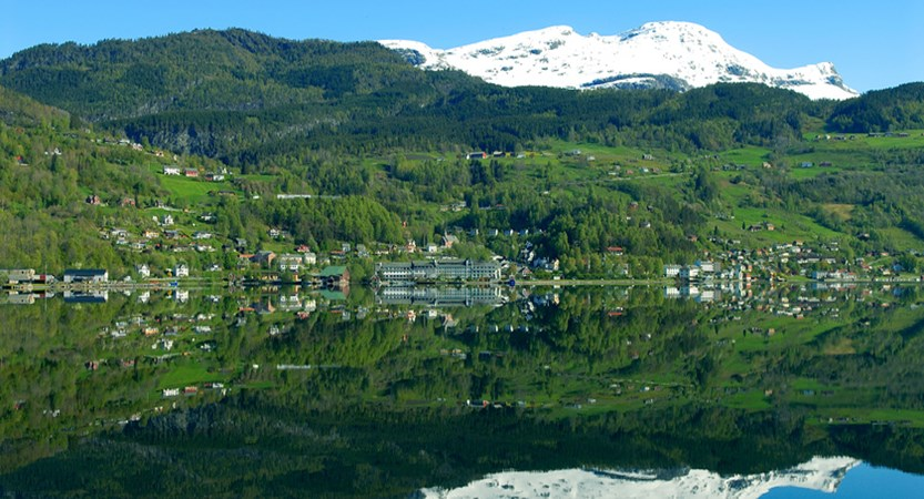 Norway_Ulvik_VillageView.jpg
