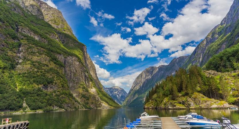 Norway_Ulvik_Naeroyfjord.jpg
