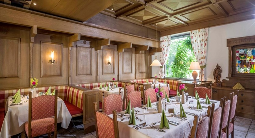 Hotel_Jakobwirt_Westendorf_Wurzenrainer_Stube (2).jpg