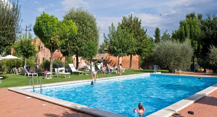 Borgo-delle-More-Pool.jpg