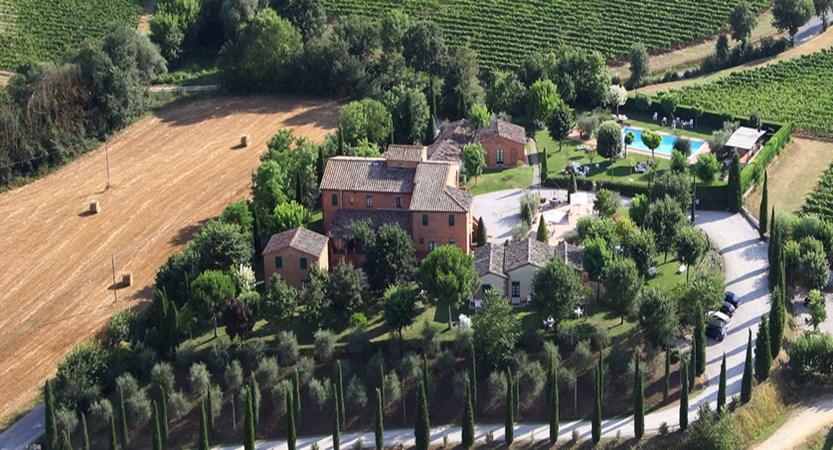 Borgo-delle-More-Grounds.jpg