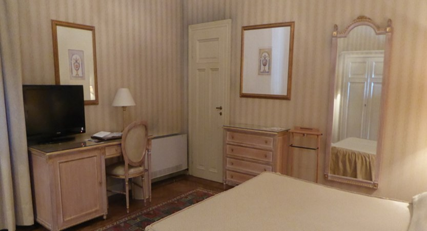 GH-&-La Pace- Bedroom.jpg