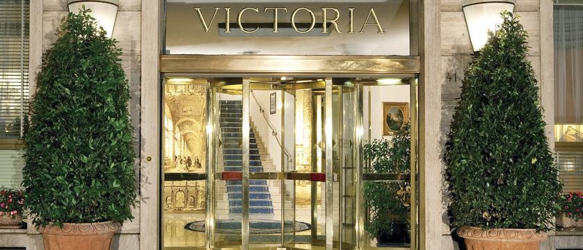 Hotel-Victoria-Entrance.JPG