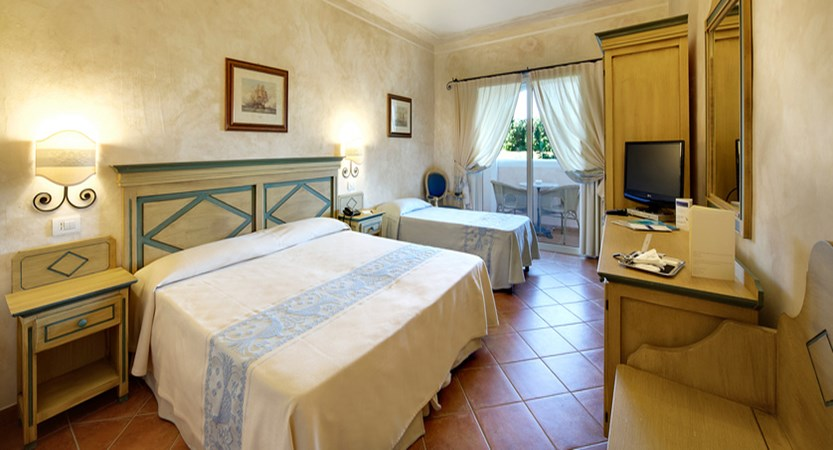 Colonna-Resort-Standard-Garden-Viewjpg