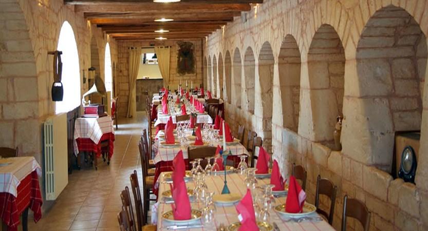 Masseria-Chiancone-Torricella-Dining.jpg