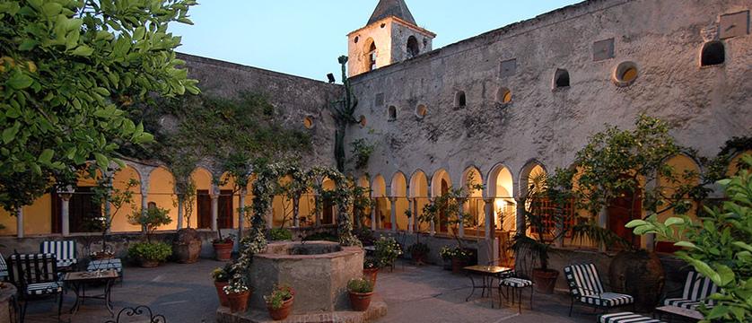 Luna-Convento-courtyard.jpg