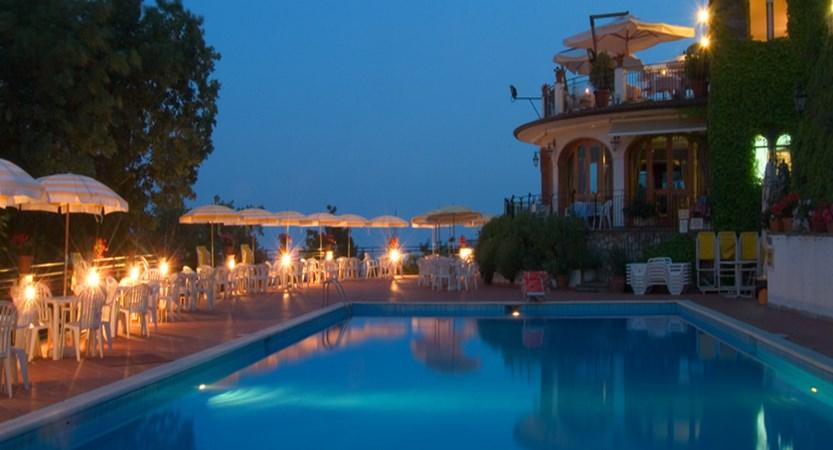Villa-Giuseppina-Swimming-pool.jpg