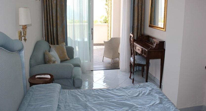 Villa-Fraulo-Bedroom.jpg