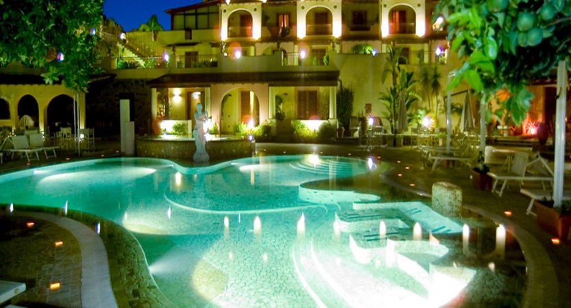 Tritone-pool-night.jpg