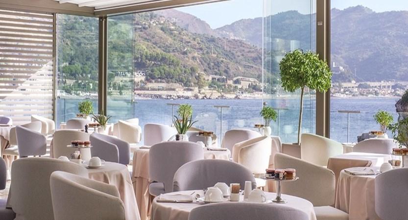 Atlantis-Bay-Restaurant.jpg