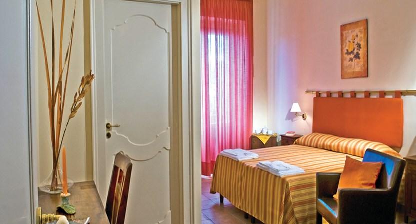 Salemi-classic-room.JPG