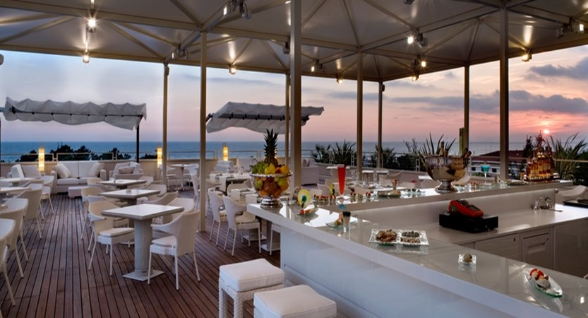 UNA-Hotel-Versilia-Terrace.jpg