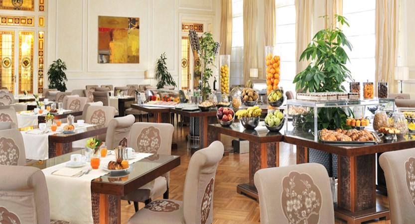 Principe-di-Piemonte-Breakfast-Room.jpg