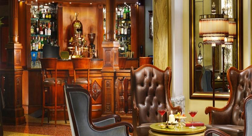 Savoia-Bar.jpg