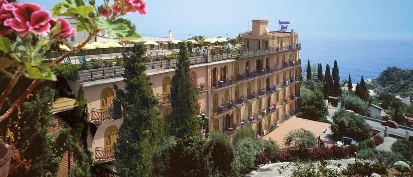 Hotel-Ipanema-Exterior.jpg