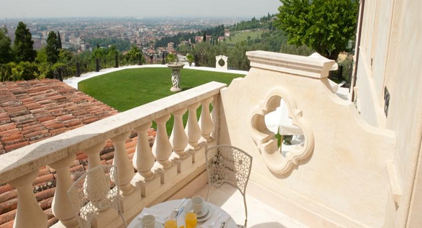Relais-Fra-Lorenzo-terrace-view.jpg