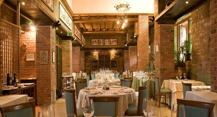 Relais-Santa-Anastasia-Restaurant.jpg