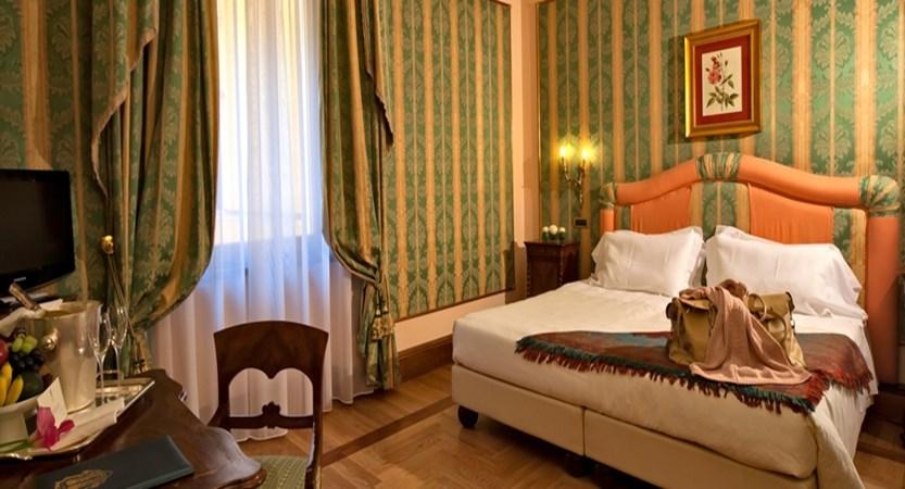 Due-Torri-classic-room.jpg