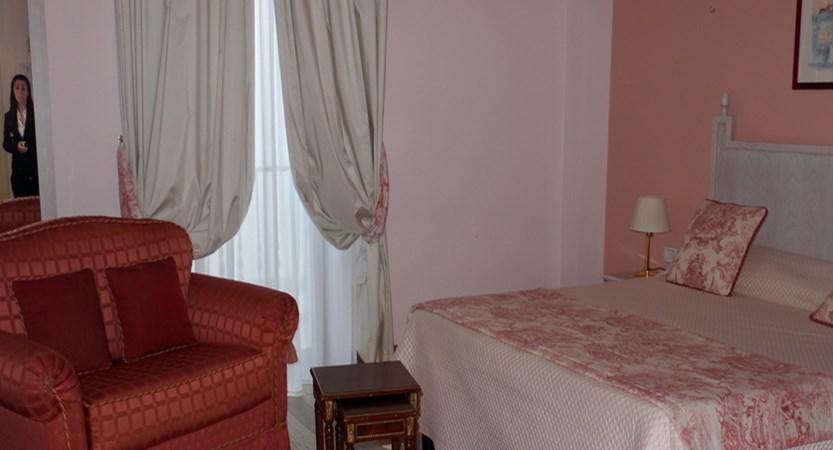 Hotel-Ostuni-Palace-Bedroom.jpg