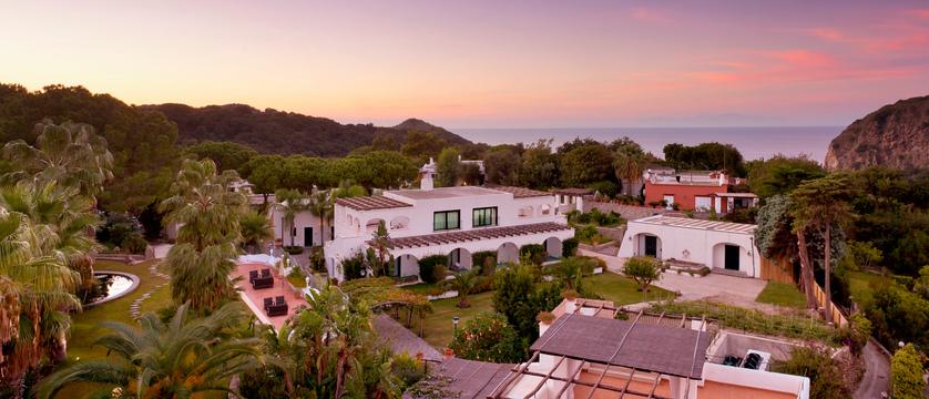 Garden-Villas-Resort-Exterior.jpg