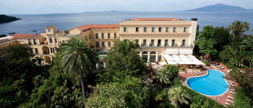 Imperial-Hotel-Tramontano-Exterior.jpg