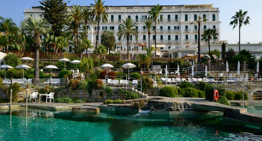 Royal-Sanremo-front-and-pool.jpg