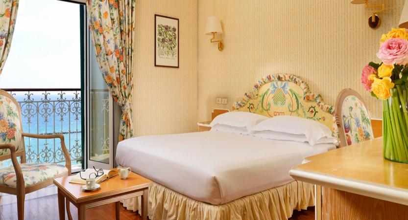 Royal-Sanremo-sea-view-room.jpg