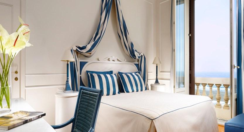 Principe-di-Piemonte-sea-view-room.jpg