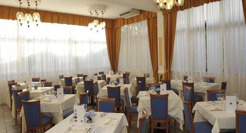 GH-Forte-dei-Marmi-restaurant.JPG