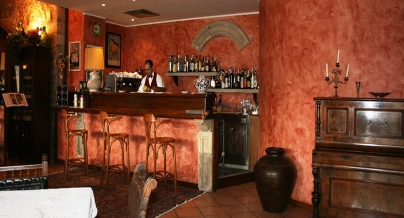 Villa-Sonia-bar.JPG