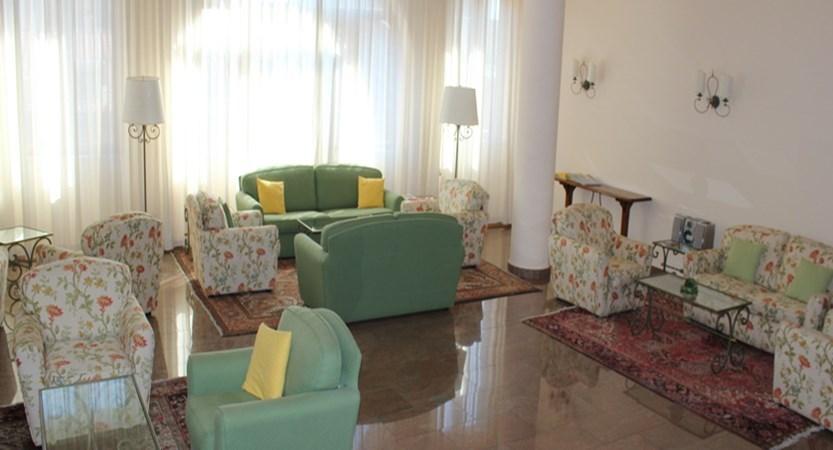 Isabella-lounge.JPG