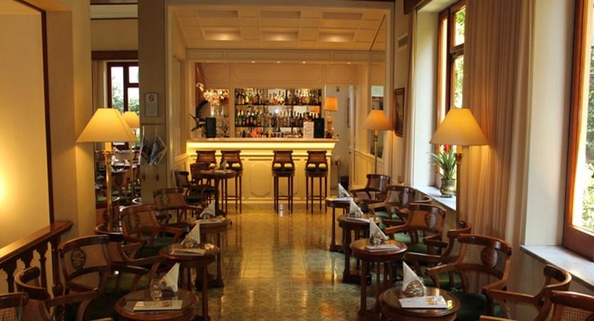 GH-De-La-Ville-Lounge.jpg