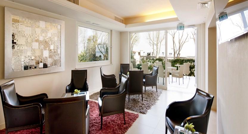 Villa-Rosa-lounge.jpg
